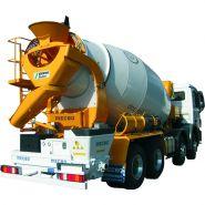 Pompe à béton sur camion