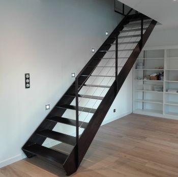 Escalier droit métallique