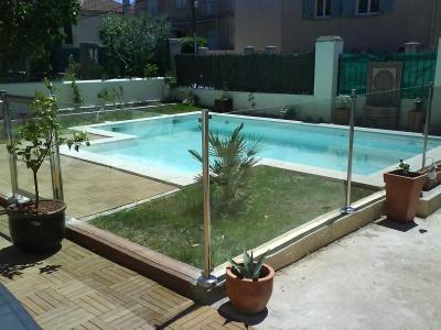 Barrière et clôture de piscine
