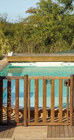 Comment choisir les barrières et clôtures de piscine ?