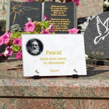 Plaque funéraire en marbre