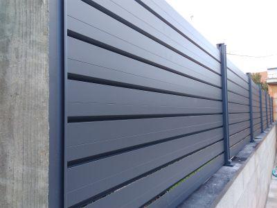 Clôture en aluminium persienne
