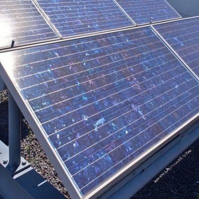 Panneaux solaires photovoltaïques polycristallins