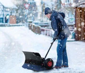 Lame chasse-neige manuelle