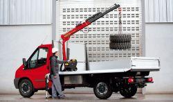 Camion grue charge légère