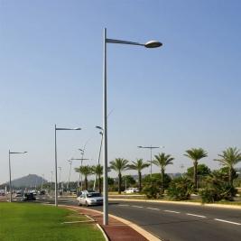 Lampadaires publics route mât
