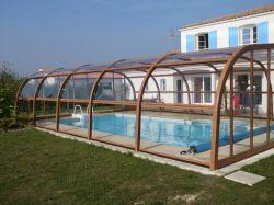 Abris piscine haut en bois