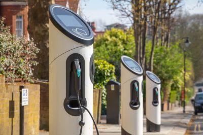 Borne de recharge véhicule - distribution électriq