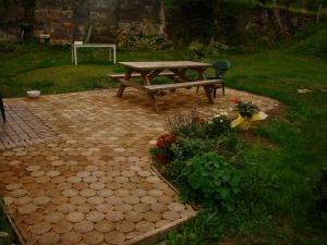 paves de jardin tous les fournisseurs pave allee pave parc pave espace vert pave de. Black Bedroom Furniture Sets. Home Design Ideas