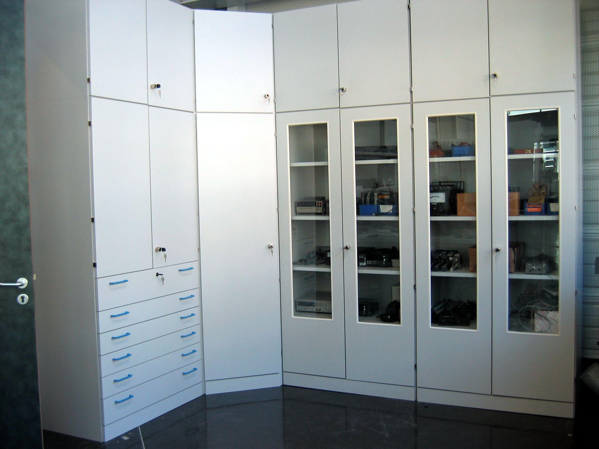 Armoire a rideau pour bureau tous les fournisseurs armoire