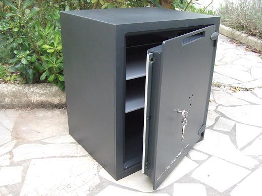 complice fichet bauche 80l. Black Bedroom Furniture Sets. Home Design Ideas