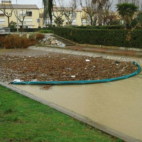 Barrage anti-pollution : barrage pour déchets de type bois flottant
