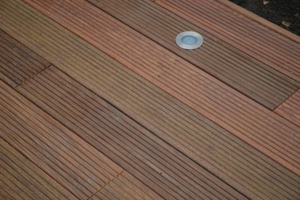 Spot a led de terrasse for Eclairage terrasse led
