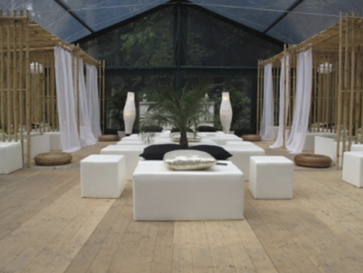 location tente de r ception concept bambou. Black Bedroom Furniture Sets. Home Design Ideas