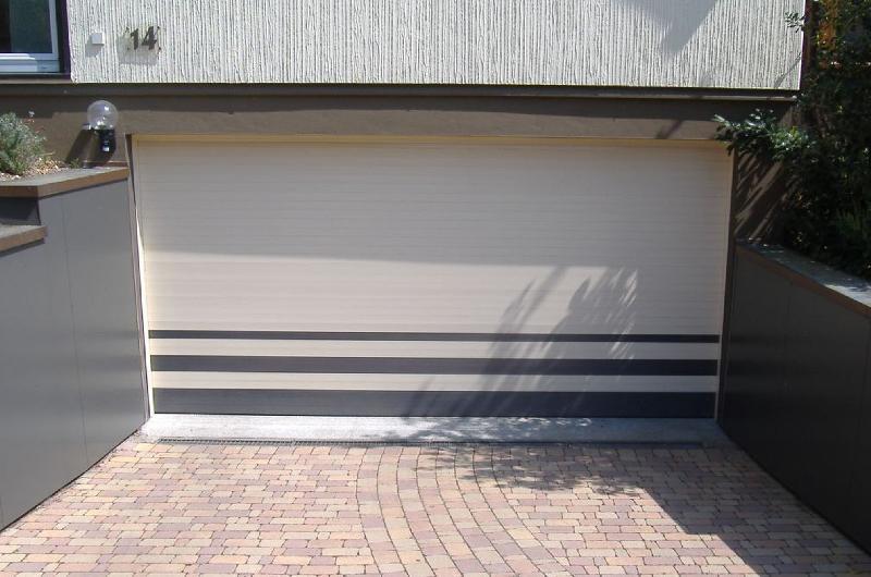 Portes comparez les prix pour professionnels sur for Porte de garage 4 vantaux sur mesure