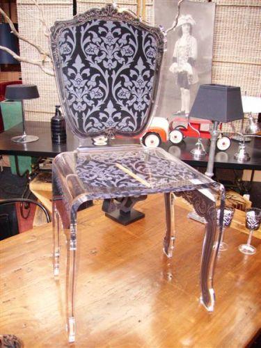 chaise design en plexiglass baroque noire. Black Bedroom Furniture Sets. Home Design Ideas