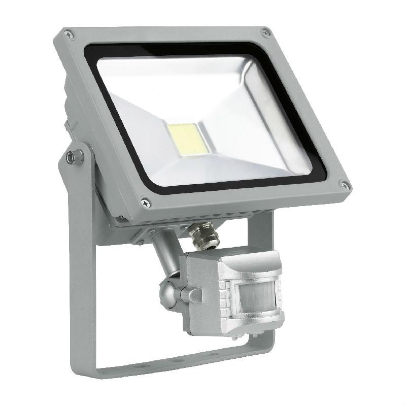 Projecteurs d 39 clairage ext rieur eglo achat vente de for Projecteur led exterieur design