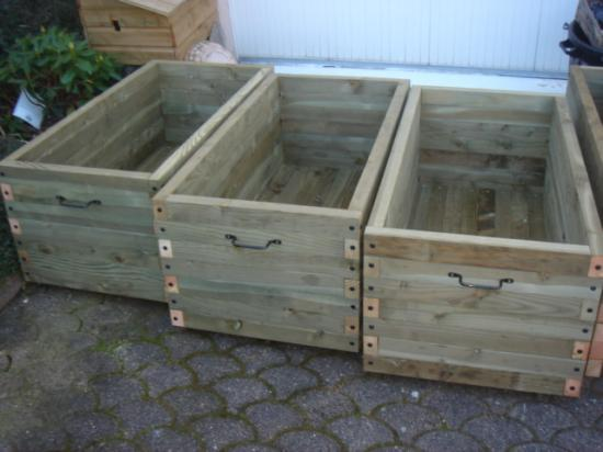 Jardini re en bois 241 litres Fabrication jardiniere bois exterieur
