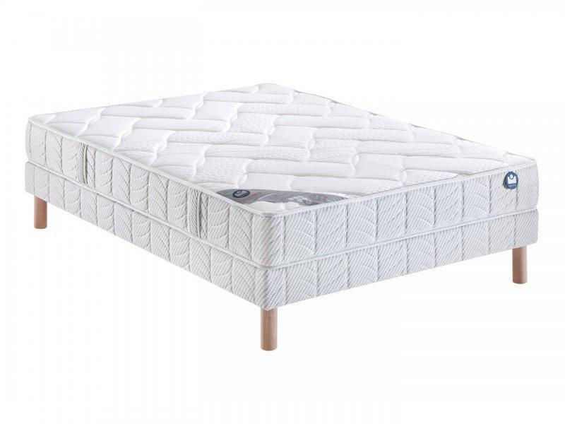 bultex sommier tapissier 120 200 bultex lattes bois massif pieds inclus. Black Bedroom Furniture Sets. Home Design Ideas