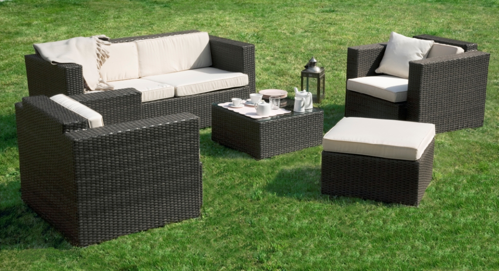 Salon de jardin en resine tressee for Table de terrasse pas cher