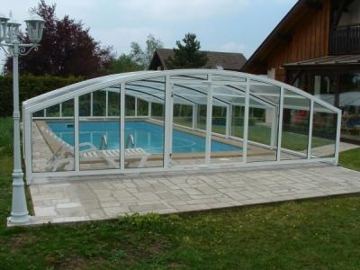 Abris piscine abris sans rail abris modele haut copacabana for Abri piscine telescopique sans rail
