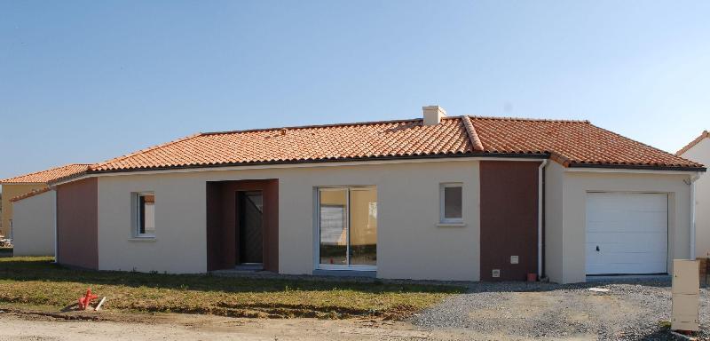 Habitations completes maison a saint julien de concelles for Garage ad saint julien de concelles