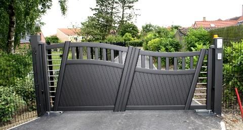 art et portails produits portails coulissants. Black Bedroom Furniture Sets. Home Design Ideas