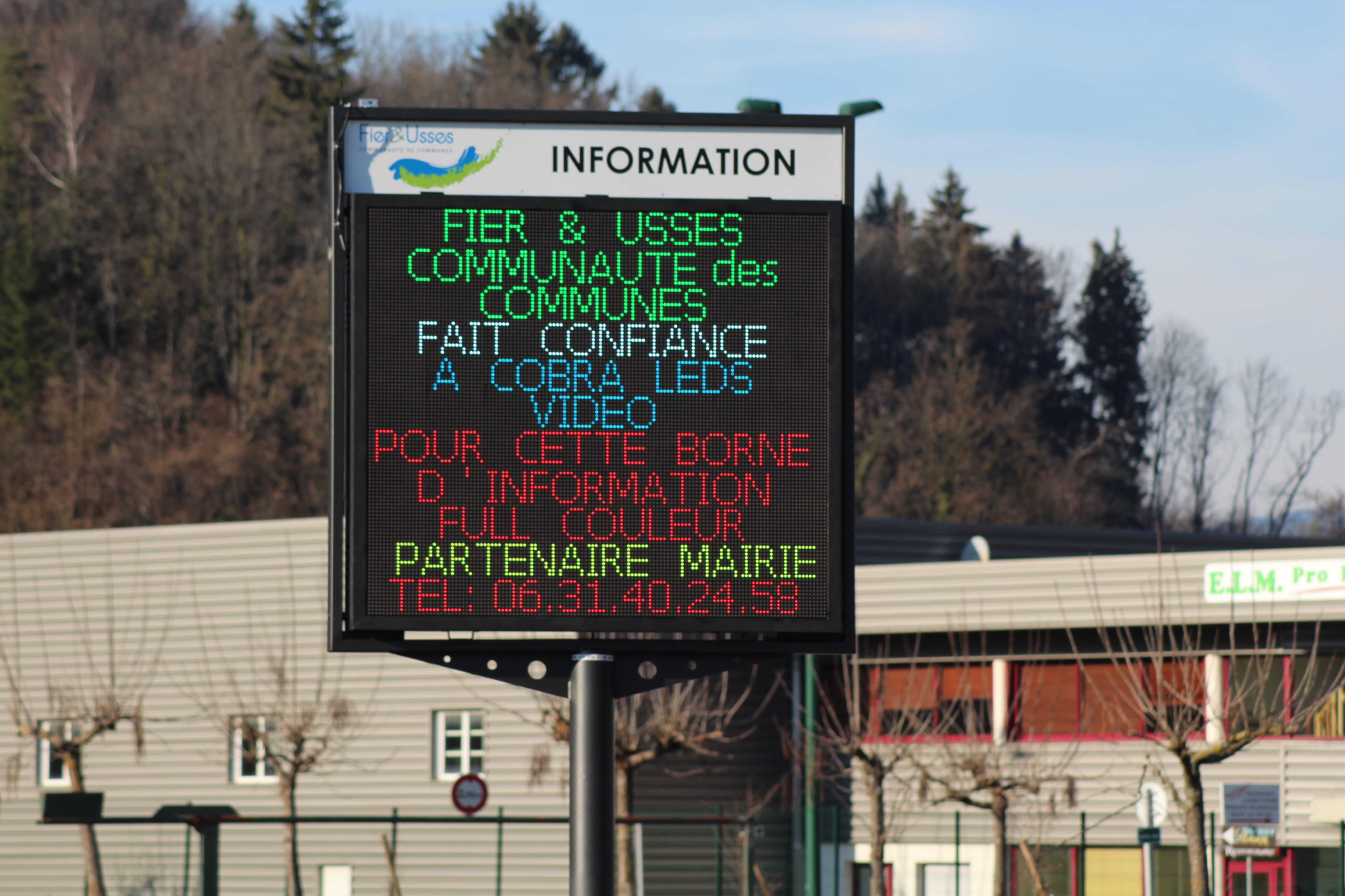 Panneau d'information full-couleur