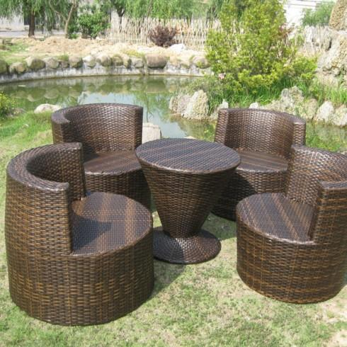 Ensemble salon de jardin 5 pieces empilable totem coloris chocolat