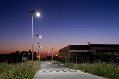 Lampadaire d 39 eclairage public tous les fournisseurs lampadaire espace public lampadaire for Eclairage jardin autonome