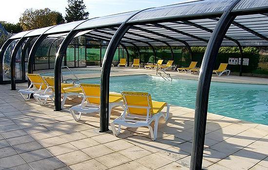 Abris de piscines tous les fournisseurs abri de for Couvrir piscine exterieure