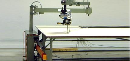 Machine de coupe assistee mobile automatique