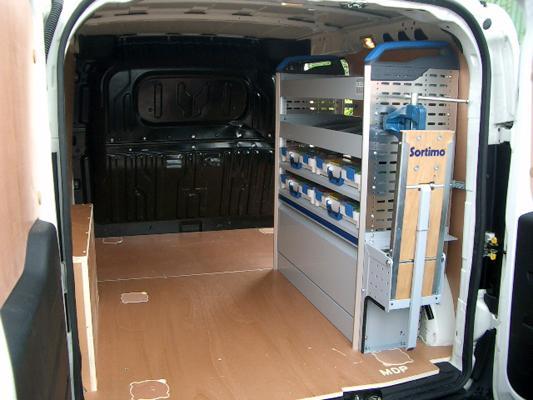 service d 39 amenagement de vehicules utilitaires tous les fournisseurs amenagement vehicule. Black Bedroom Furniture Sets. Home Design Ideas