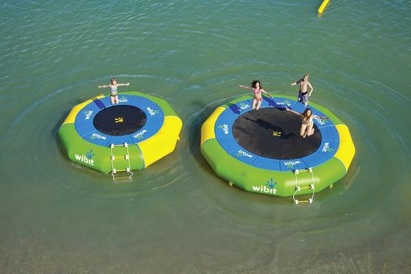 Trampoline aquatique