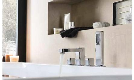 ensemble melangeur baignoire 4 trous design loop. Black Bedroom Furniture Sets. Home Design Ideas