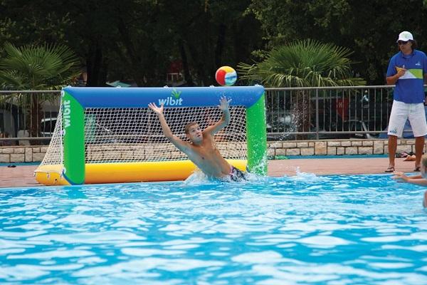 Jeux gonflables aquatiques tous les fournisseurs for Fournisseur piscine