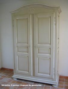 armoire chapeau de gendarme alpilles. Black Bedroom Furniture Sets. Home Design Ideas