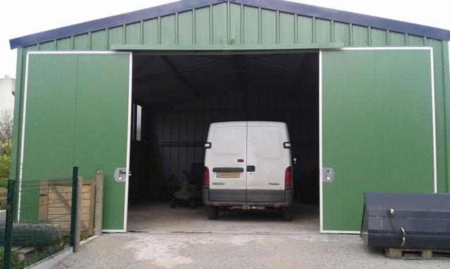 garages modulaires tous les fournisseurs garage deux pentes garage une seule pente. Black Bedroom Furniture Sets. Home Design Ideas