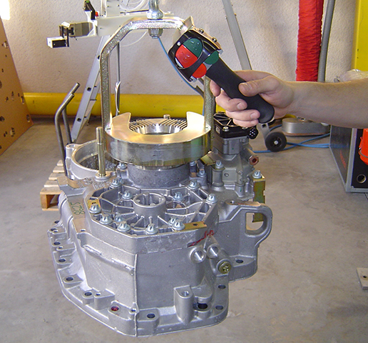 Pince de manipulation ingénitec par serrage pneumatique pour moteur