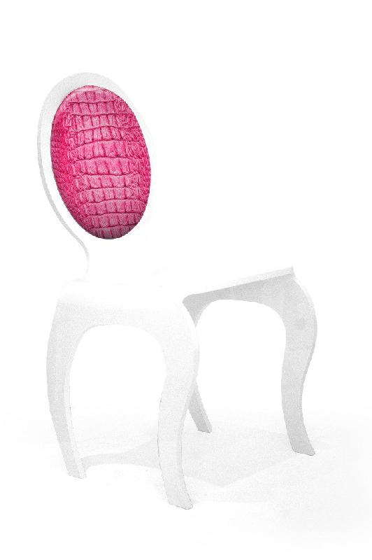 chaise plexi opera motif peau lezard rose par acrila. Black Bedroom Furniture Sets. Home Design Ideas