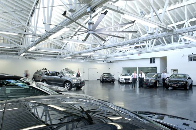 ventilateur big ass fans pour showroom auto. Black Bedroom Furniture Sets. Home Design Ideas