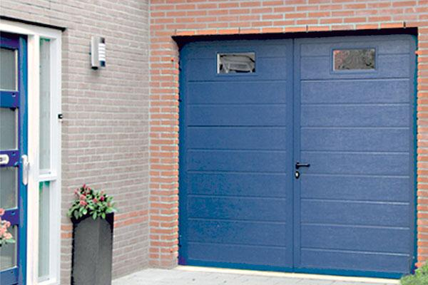 Porte de garage a battants dhome menuiserie tryba for Prix porte de garage sur mesure