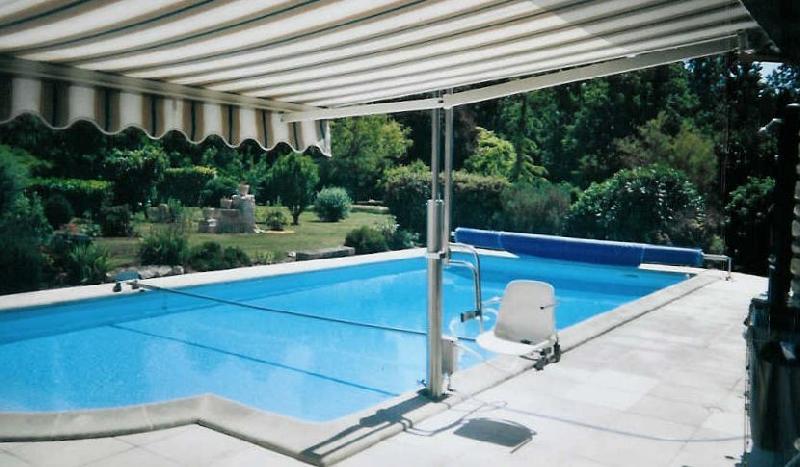 Elevateurs pour pmr tous les fournisseurs elevateur for Fournisseur piscine