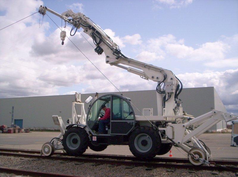 engin rail  route de pose catenaires genirail