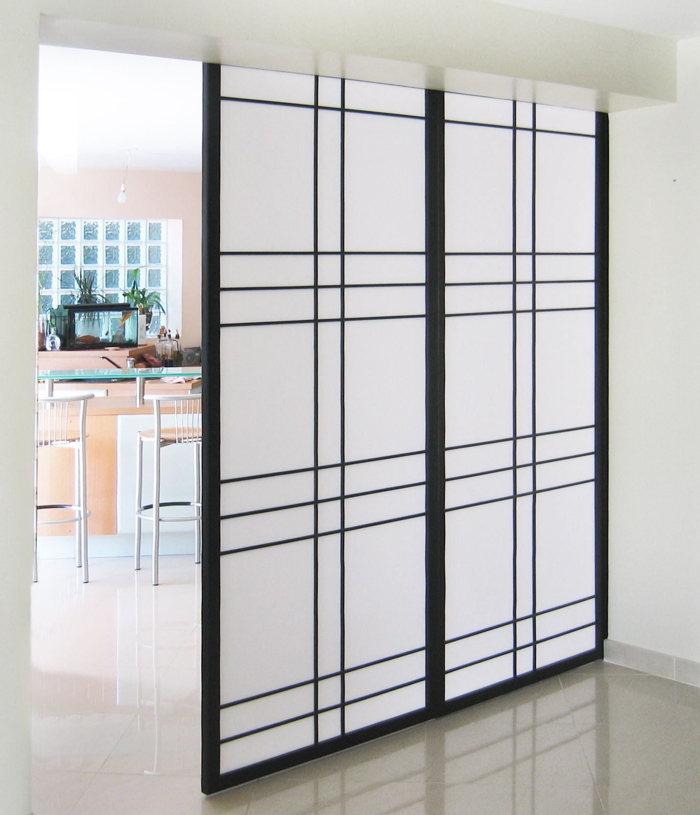 cloison japonaise coulissante shoji akita. Black Bedroom Furniture Sets. Home Design Ideas