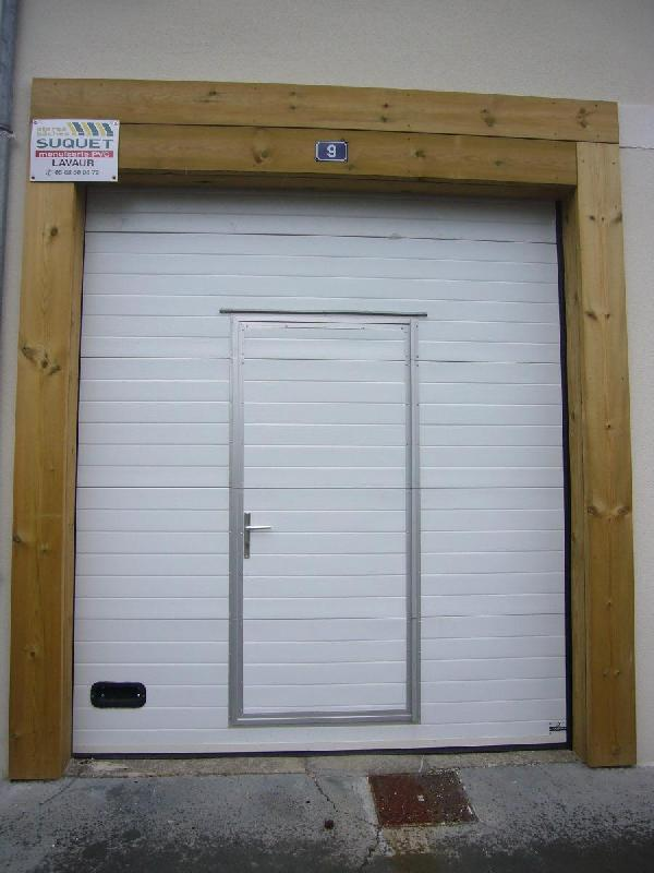 Porte de garage sectionnelle avec portillon for Porte garage sectionnelle