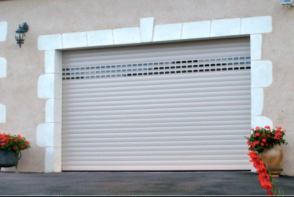 Porte de garage a enroulement cgf trading sarl for Porte sectionnelle garage 3m