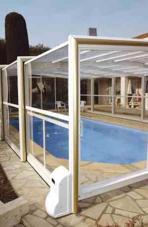 abris de piscine les options la motorisation. Black Bedroom Furniture Sets. Home Design Ideas