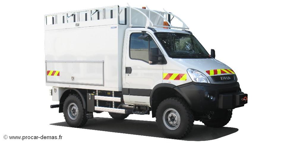 vehicule tout terrain camion atelier tout terrain. Black Bedroom Furniture Sets. Home Design Ideas
