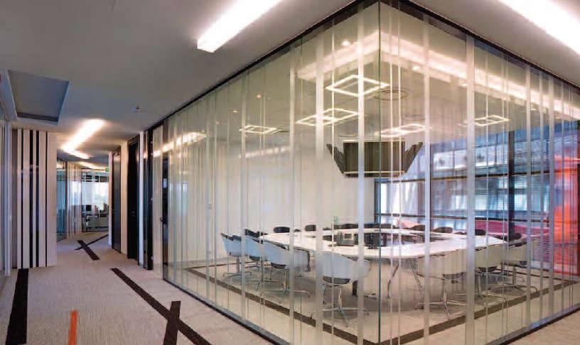 Cloisons de bureaux avec vitre transparente